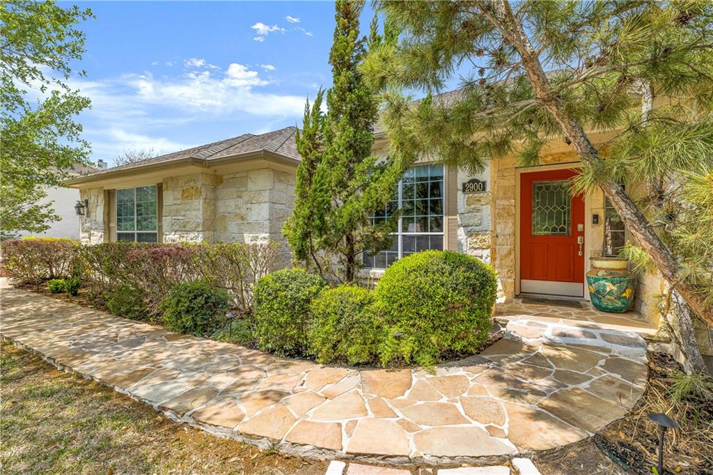 2900 Mossback LN Property Photo - Austin, TX real estate listing