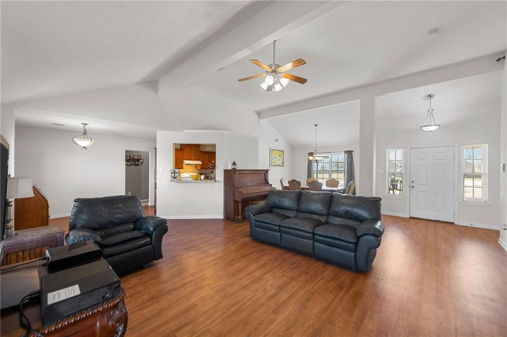 902 Caldwell ST Property Photo - Lexington, TX real estate listing