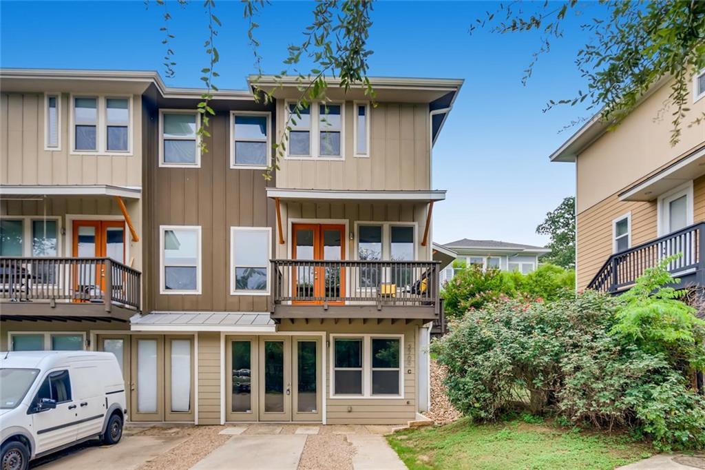 2709 Condo Real Estate Listings Main Image
