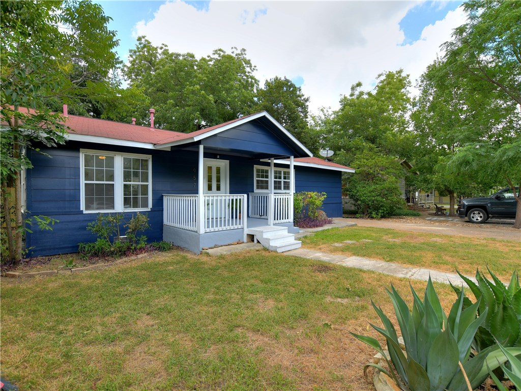 957 Sycamore ST, San Marcos TX 78666 Property Photo - San Marcos, TX real estate listing