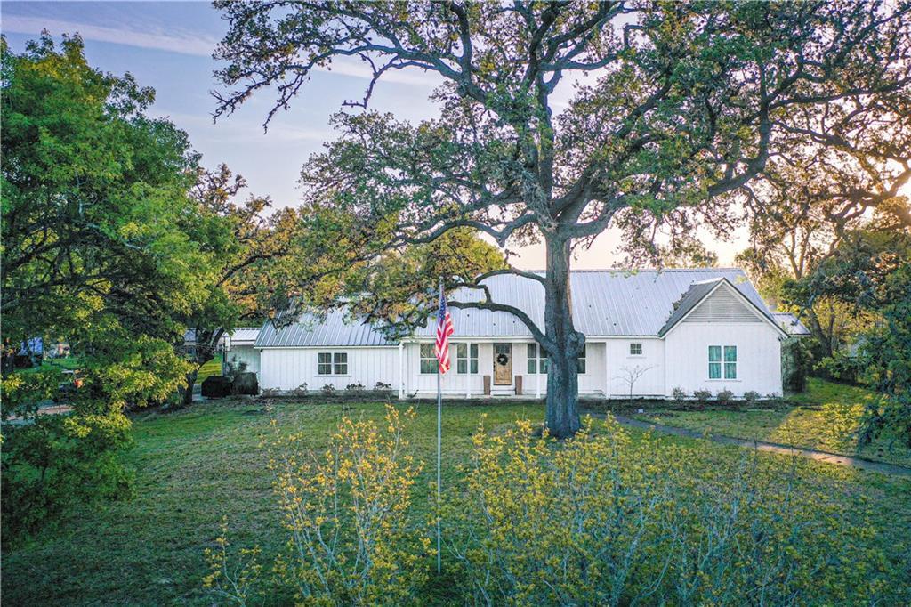518 N Horton ST Property Photo - La Grange, TX real estate listing