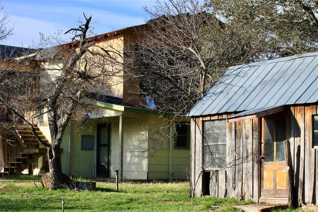 609 W Sandstone ST Property Photo - Llano, TX real estate listing