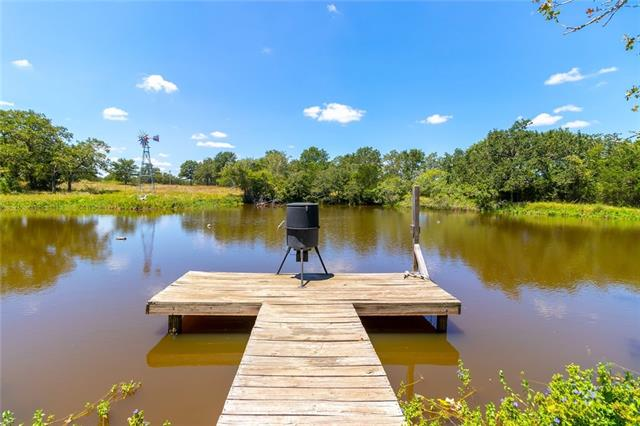 4925 Burke RD, Flatonia TX 78941 Property Photo - Flatonia, TX real estate listing
