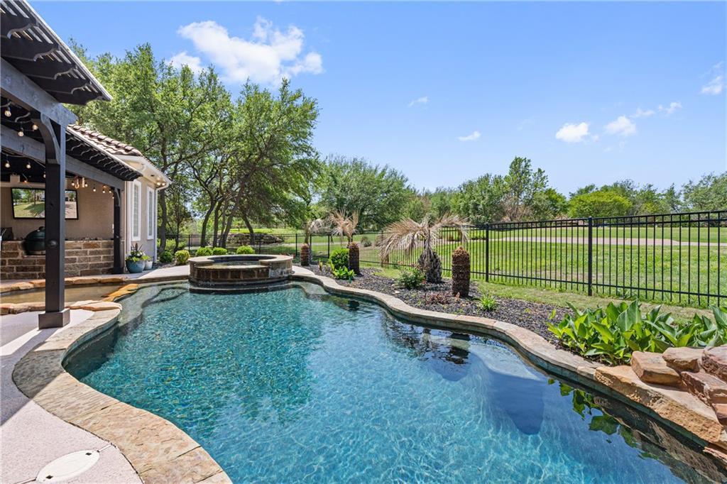 1812 Lakecliff Hills LN Property Photo - Austin, TX real estate listing