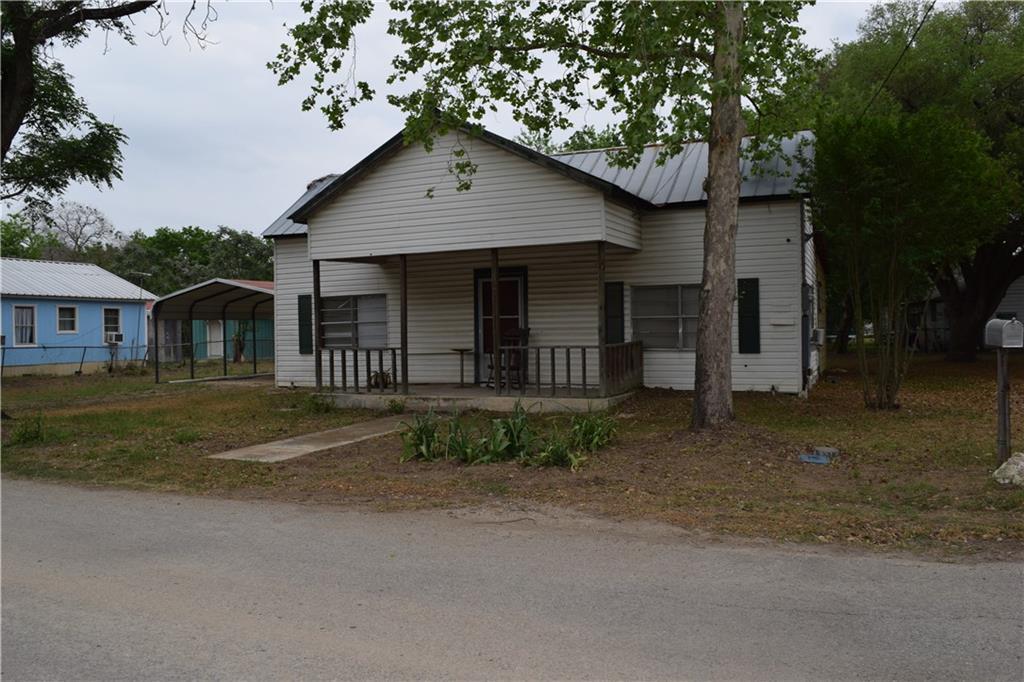 208 Elm Ave Property Photo 1