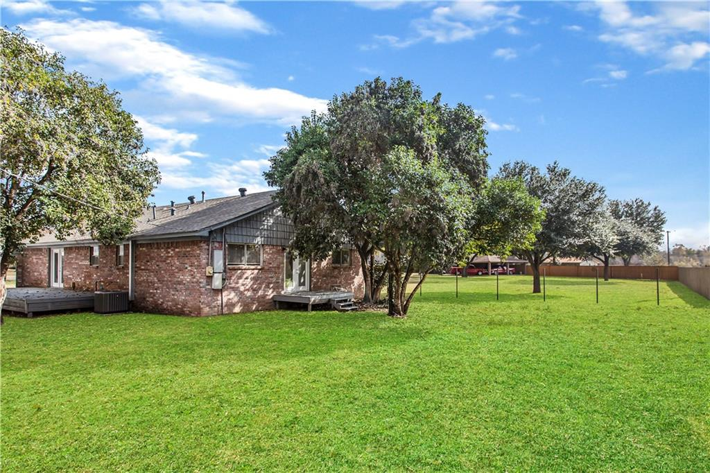 8 Willow ST Property Photo - Hearne, TX real estate listing