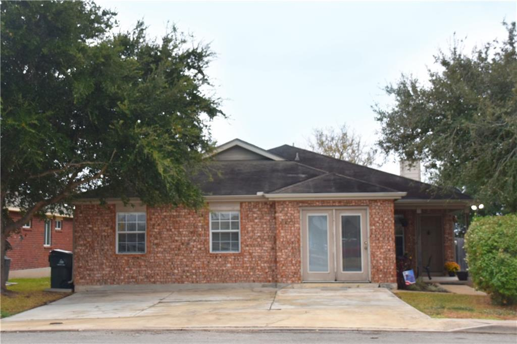 109 Eagle Dr, Luling Tx 78648 Property Photo 1