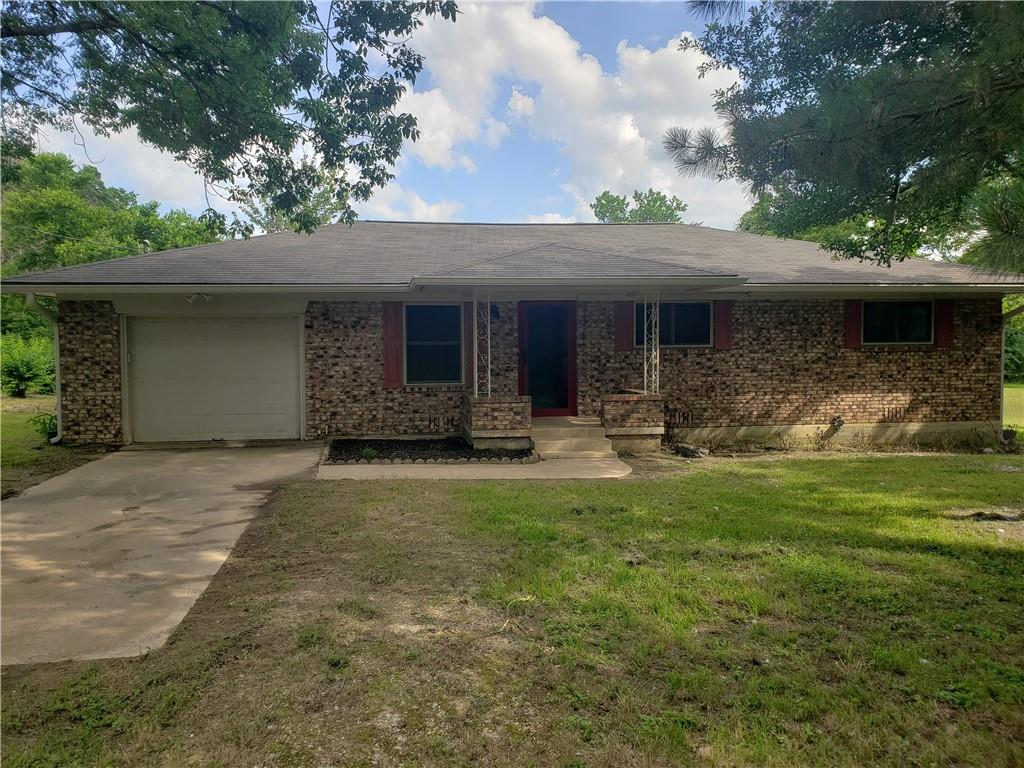 402 W Avenue H Property Photo - Milano, TX real estate listing