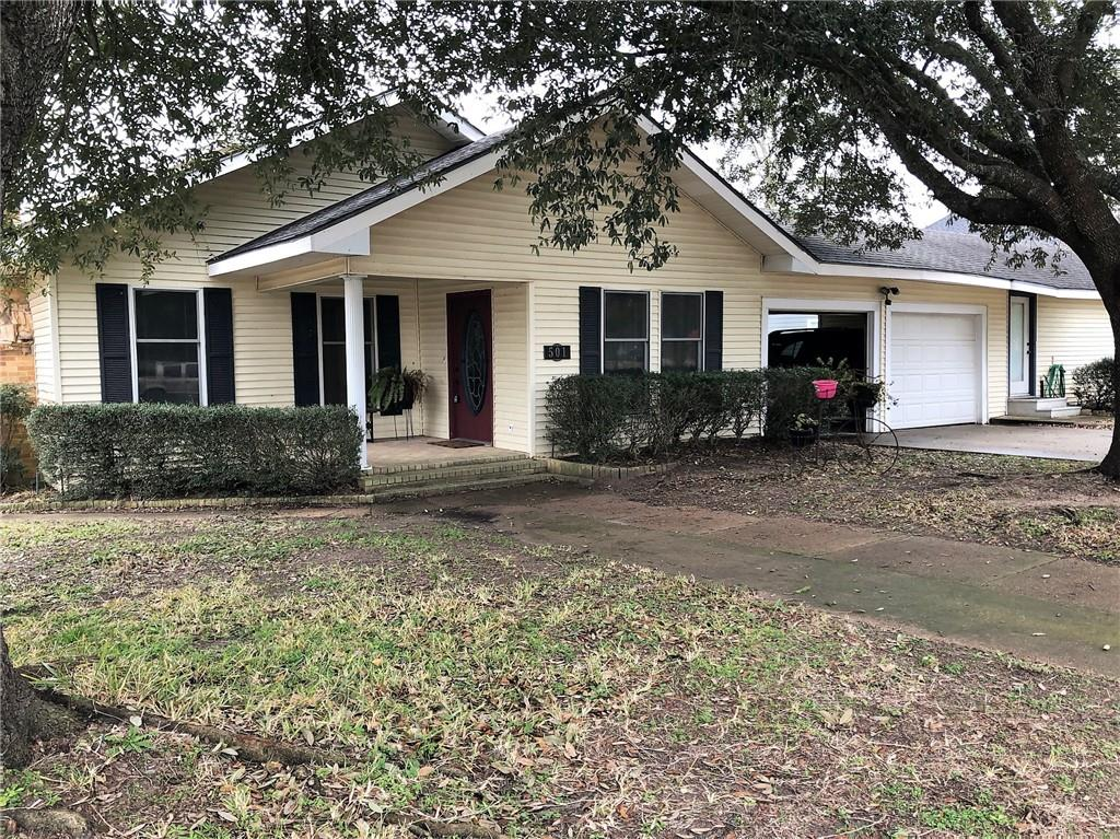 501 W Buffalo ST Property Photo - Caldwell, TX real estate listing