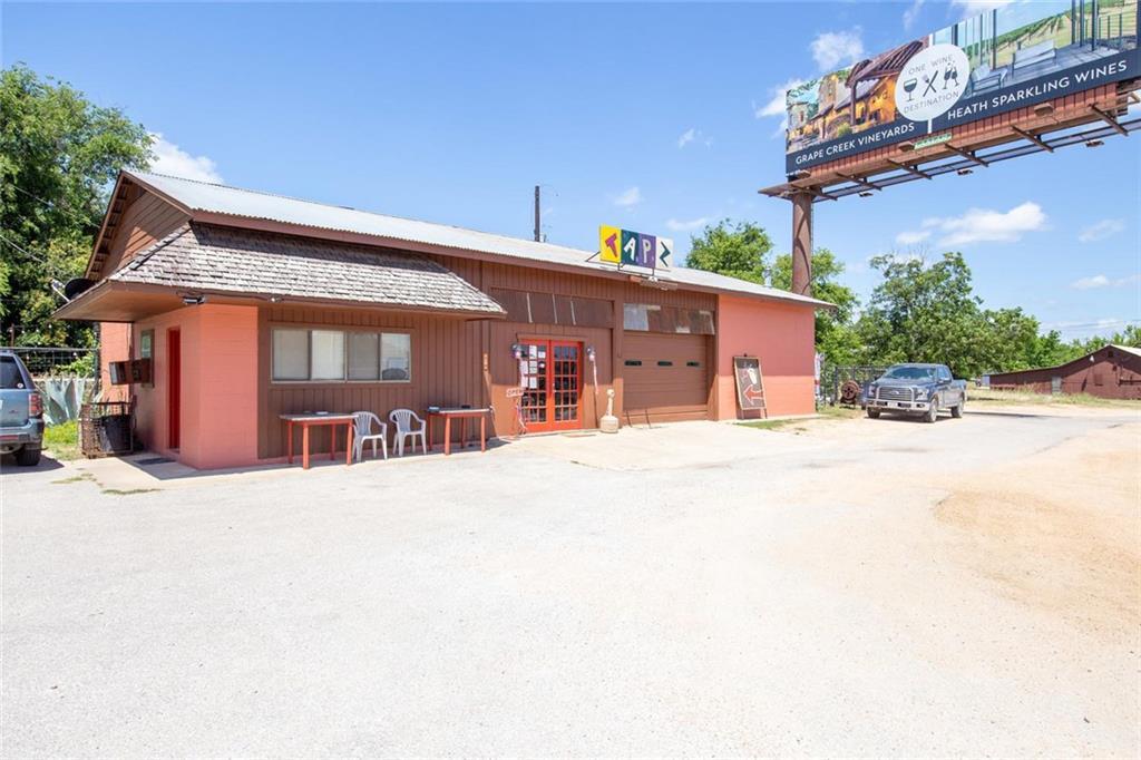 105 N US Highway 281, Johnson City TX 78636 Property Photo