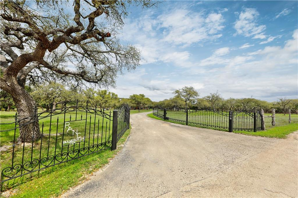 887 Lonesome Dove Property Photo - Bulverde, TX real estate listing