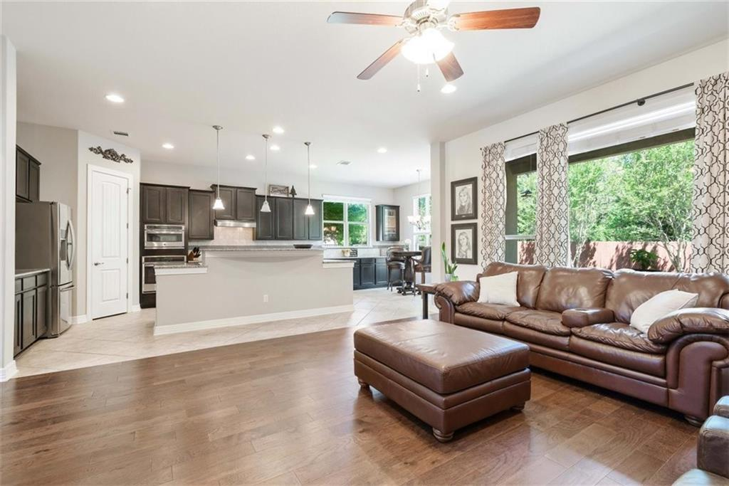 208 Montalcino BLVD Property Photo - Lakeway, TX real estate listing