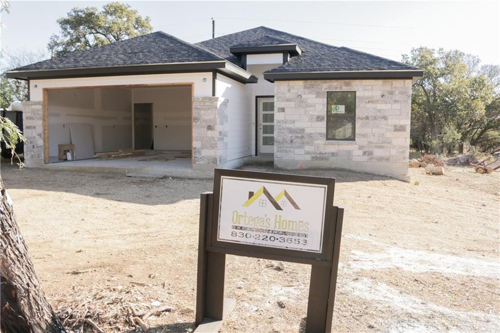 637 Cypress LN Property Photo - Cottonwood Shores, TX real estate listing