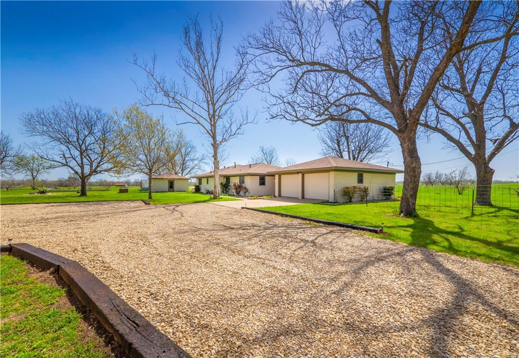 420 E Clement ST Property Photo - Thorndale, TX real estate listing