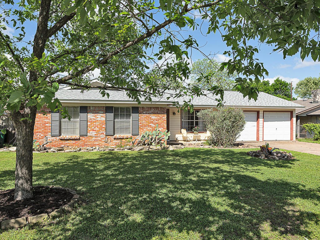 6606 Columbia DR, Austin TX 78723 Property Photo - Austin, TX real estate listing