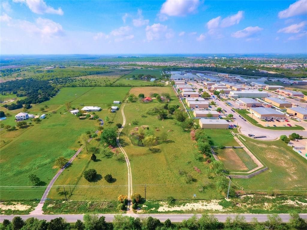 2313 Crystal Bend DR Property Photo - Pflugerville, TX real estate listing