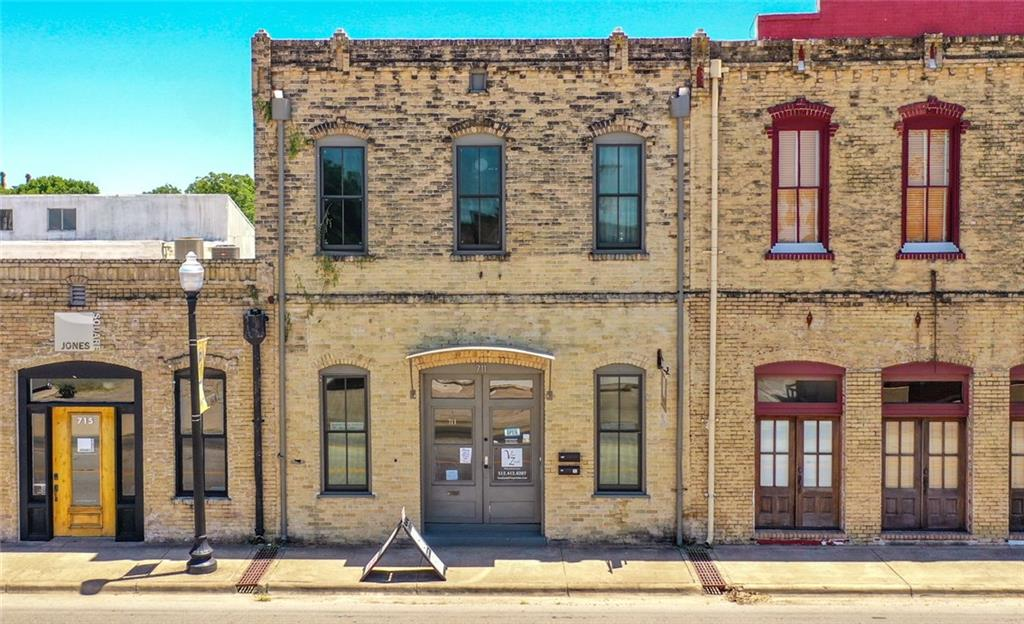 711 CHESTNUT ST, Bastrop TX 78602 Property Photo