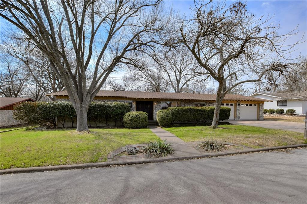 905 Newport Ave Property Photo - Austin, TX real estate listing