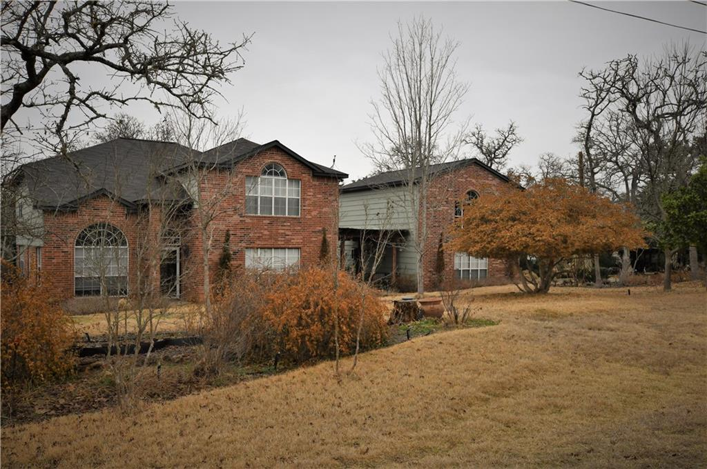 1098 Wesley LN Property Photo - Lexington, TX real estate listing
