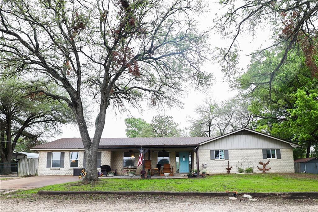 1225 N Rockdale ST Property Photo - Lexington, TX real estate listing