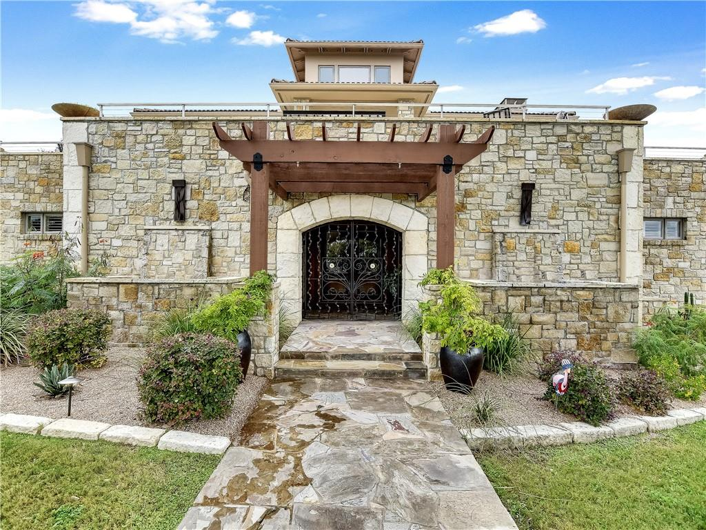 100 Cloudland CT Property Photo - Spicewood, TX real estate listing