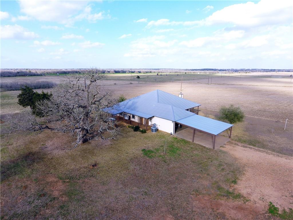 1945 COUNTY ROAD 204 Property Photo - Paige, TX real estate listing
