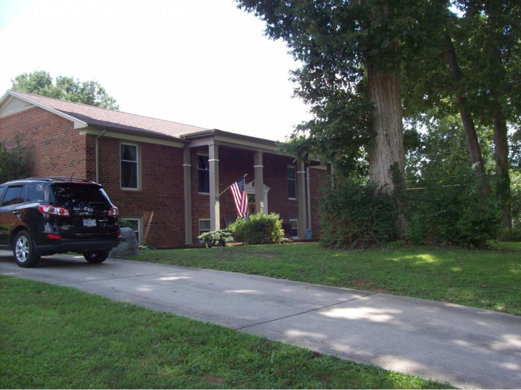 1668 Robinhood Drive, Burlington, NC 27217 - Burlington, NC real estate listing