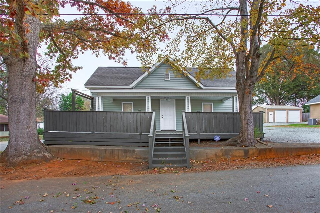 407 Oak Street, Graham, NC 27253 - Graham, NC real estate listing