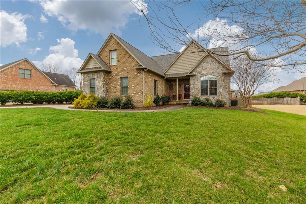 3148 Brookstone Drive, Burlington, NC 27215 - Burlington, NC real estate listing