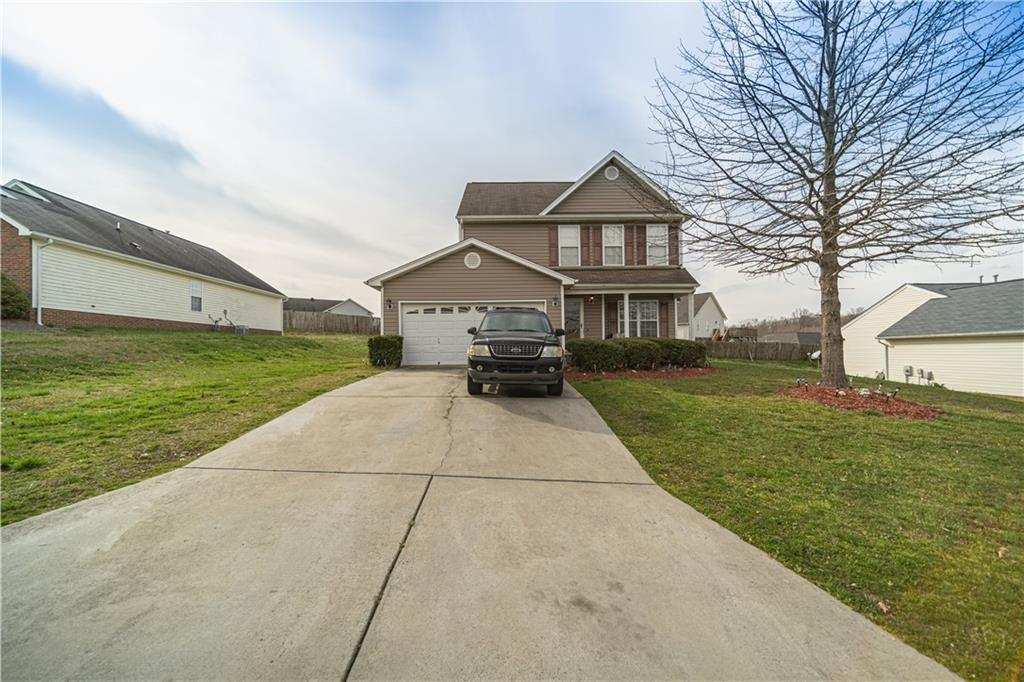 1324 Brightwood Drive Property Photo - Burlington, NC real estate listing