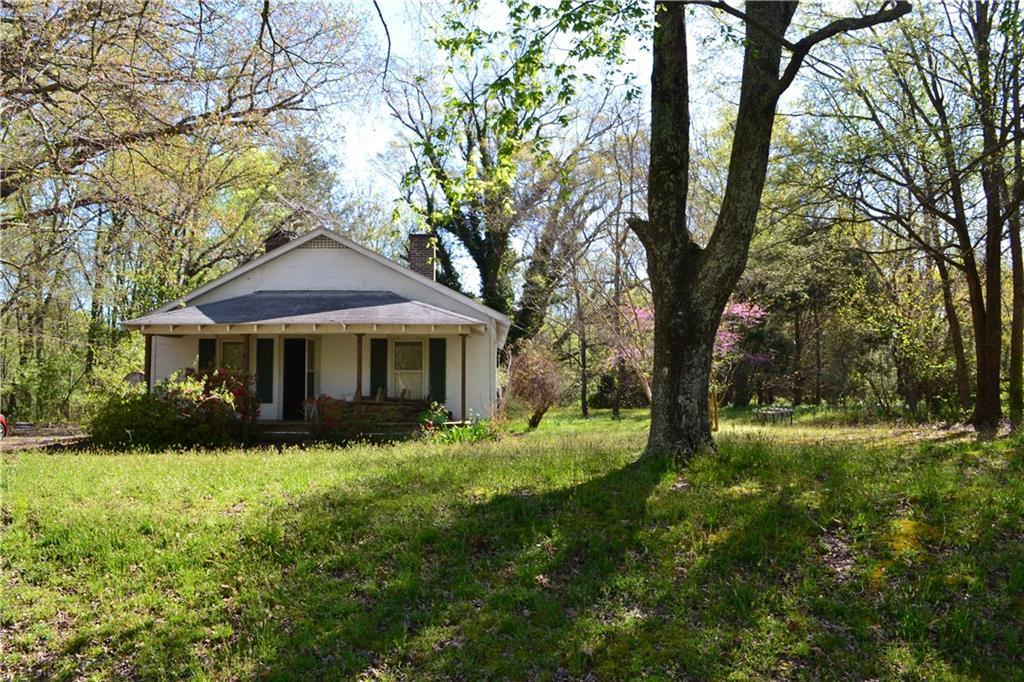 2304 Wagoner Road Property Photo