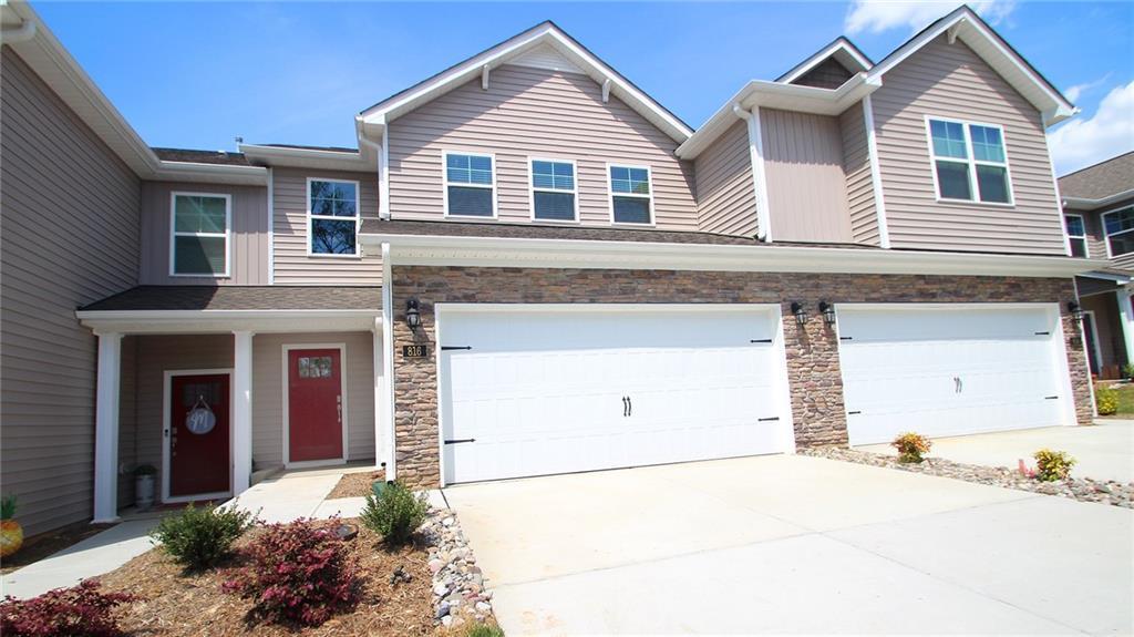 816 Riley Lane Property Photo