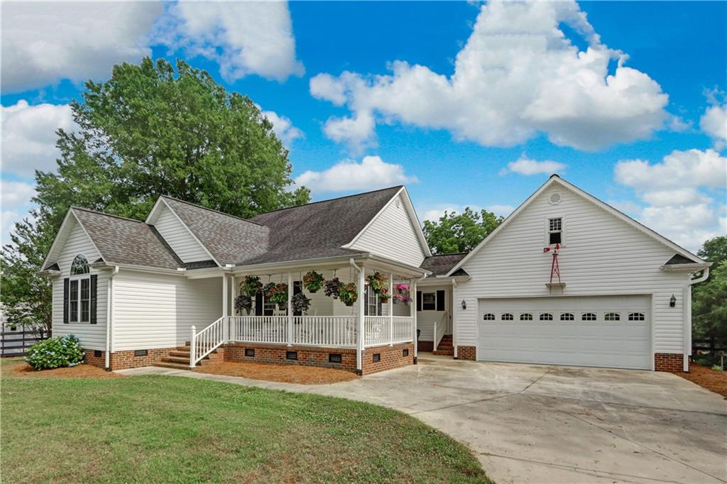 2856 Gwyn Road Property Photo - Elon, NC real estate listing