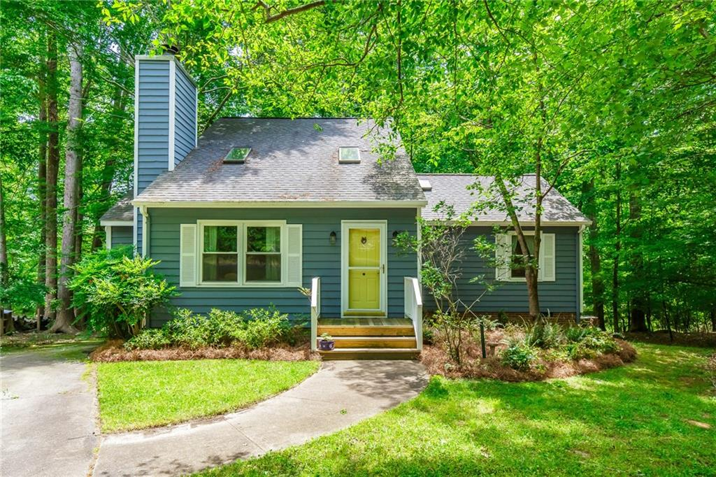 602 Bolin Creek Drive Property Photo - Carrboro, NC real estate listing