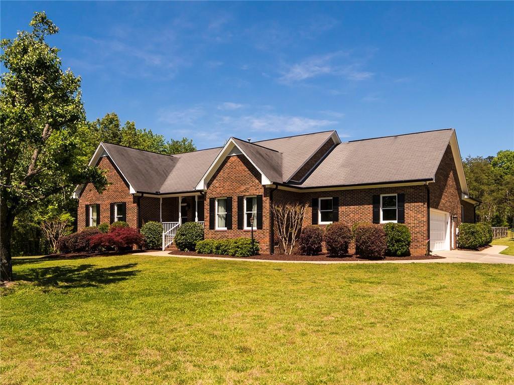 1751 Wellington Road Property Photo - Burlington, NC real estate listing