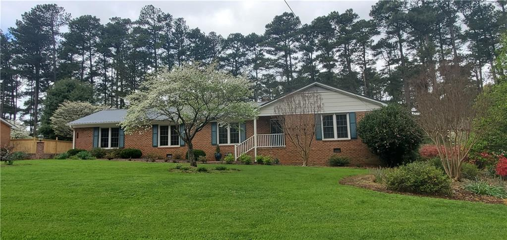 525 Pine Lake Drive Property Photo - Siler City, NC real estate listing