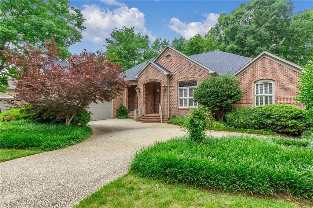 2309 Hickory Avenue Property Photo - Burlington, NC real estate listing