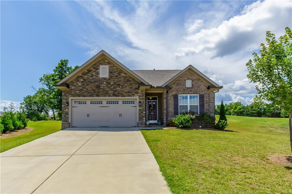 528 Pinnacle Court Property Photo - Graham, NC real estate listing