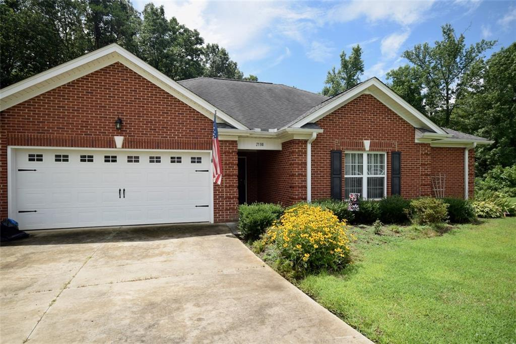2198 Boyd Creek Drive Property Photo - Graham, NC real estate listing