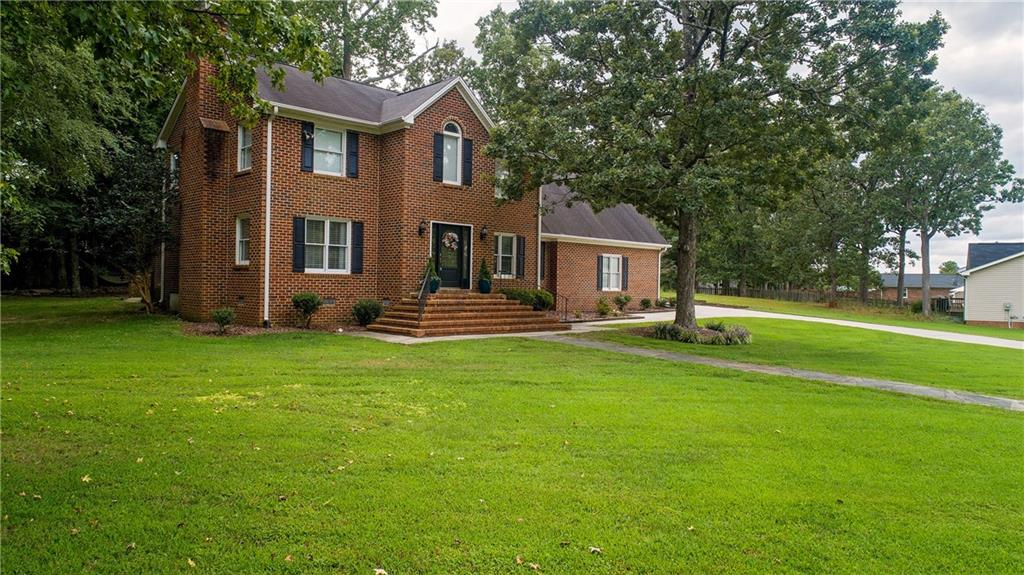 811 Westwood Court Property Photo - Elon, NC real estate listing
