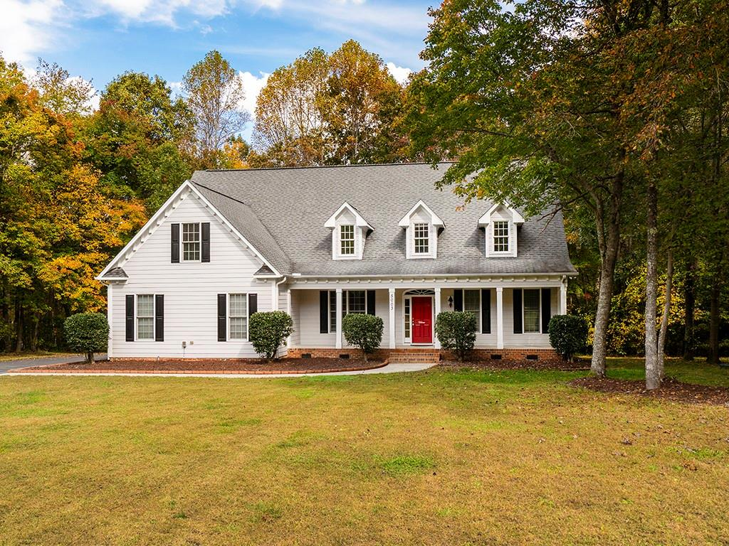 5003 Whisper Ridge Drive Property Photo - Efland, NC real estate listing