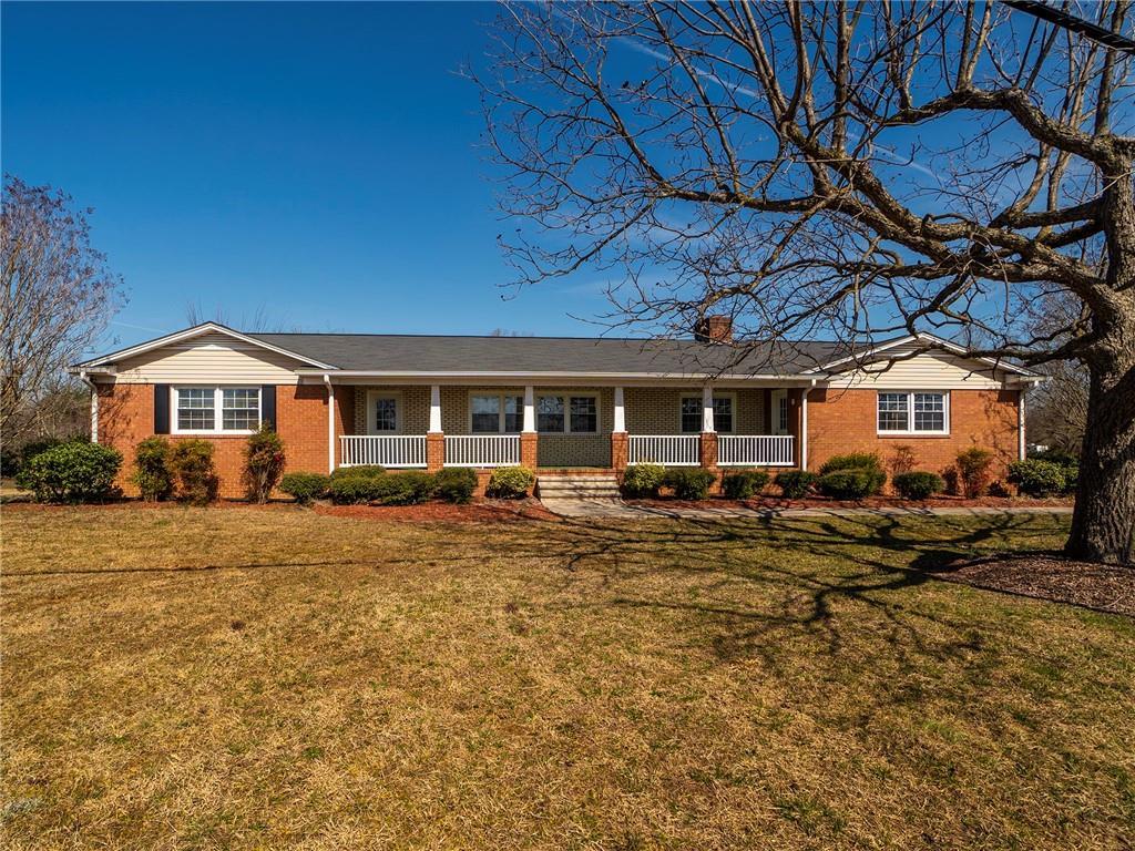 771 W Old Glencoe Road Property Photo - Burlington, NC real estate listing