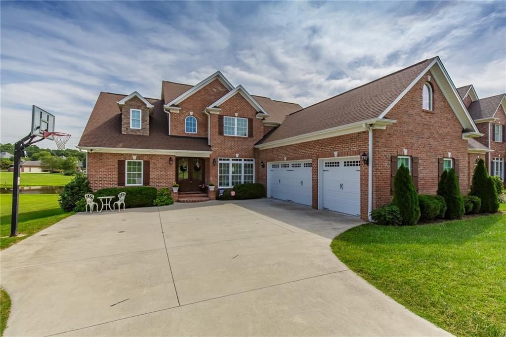 272144 Real Estate Listings Main Image