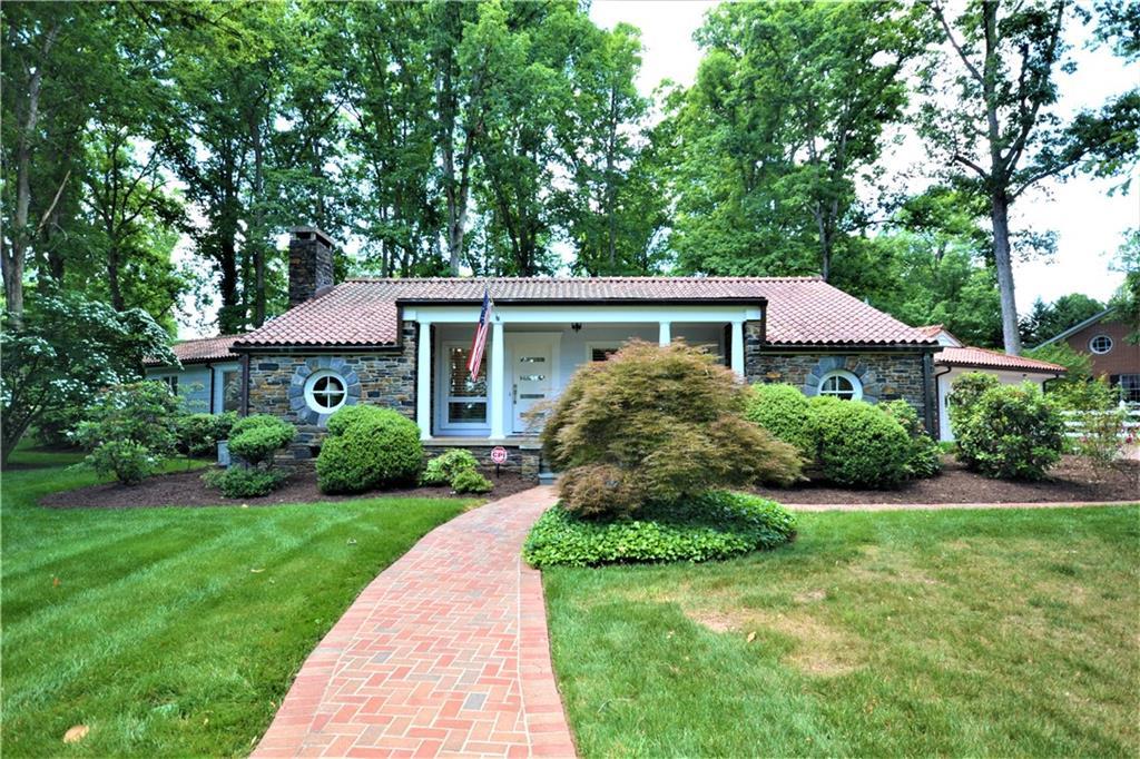 2419 Pineway Drive Property Photo 1