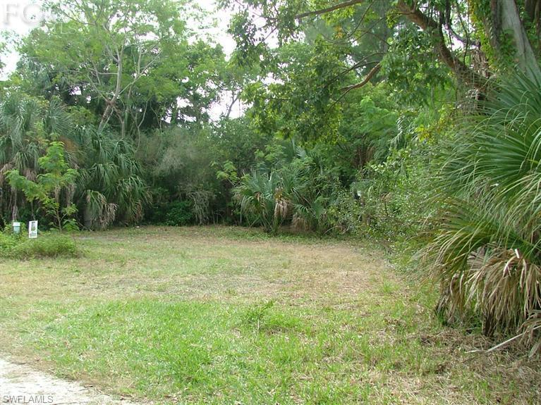 5821 Pine Tree Drive Property Photo - SANIBEL, FL real estate listing
