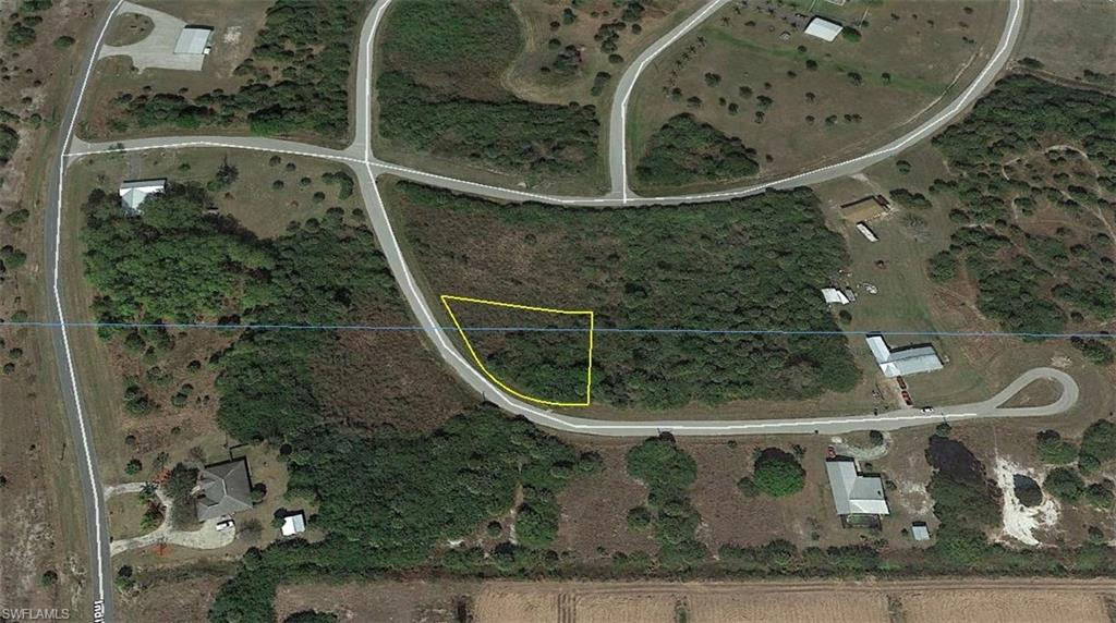 8240 S side Road Property Photo - MOORE HAVEN, FL real estate listing