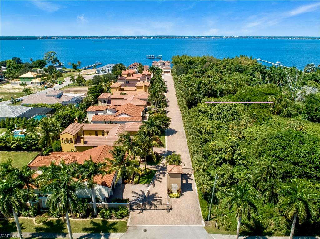 8941 RIVER PALM Court Property Photo - FORT MYERS, FL real estate listing