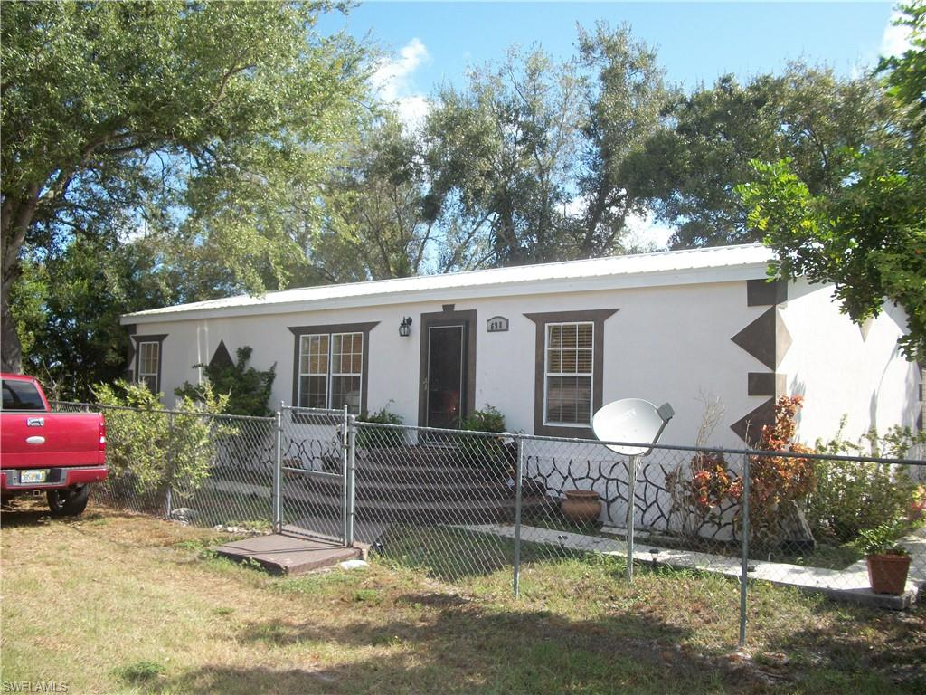 698 6th Street NW Property Photo - MOORE HAVEN, FL real estate listing
