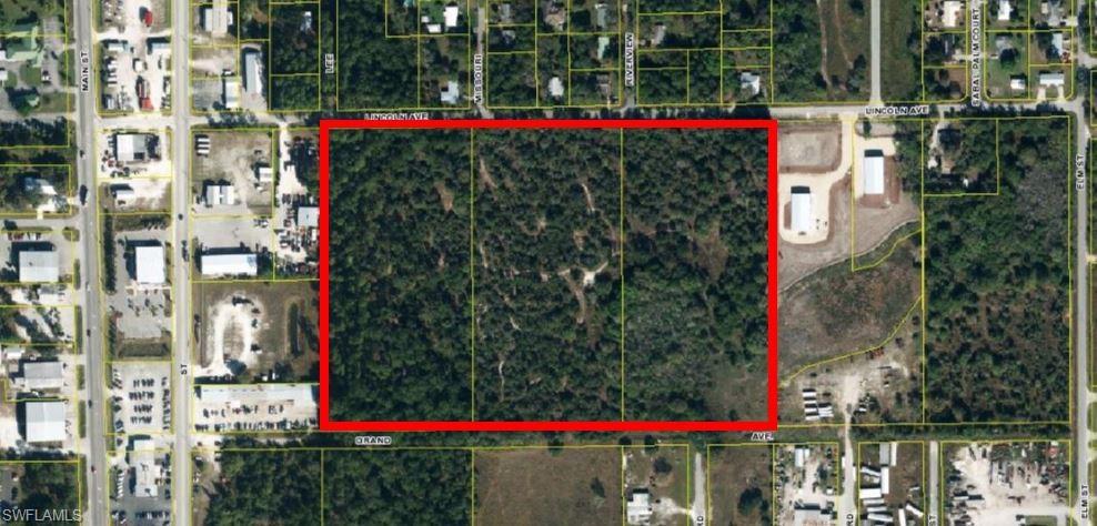 E Lincoln Avenue Property Photo - LABELLE, FL real estate listing