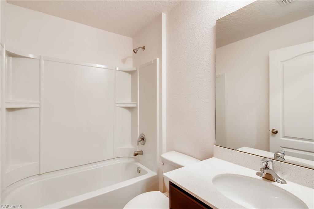 1711 NE 6th Avenue Property Photo